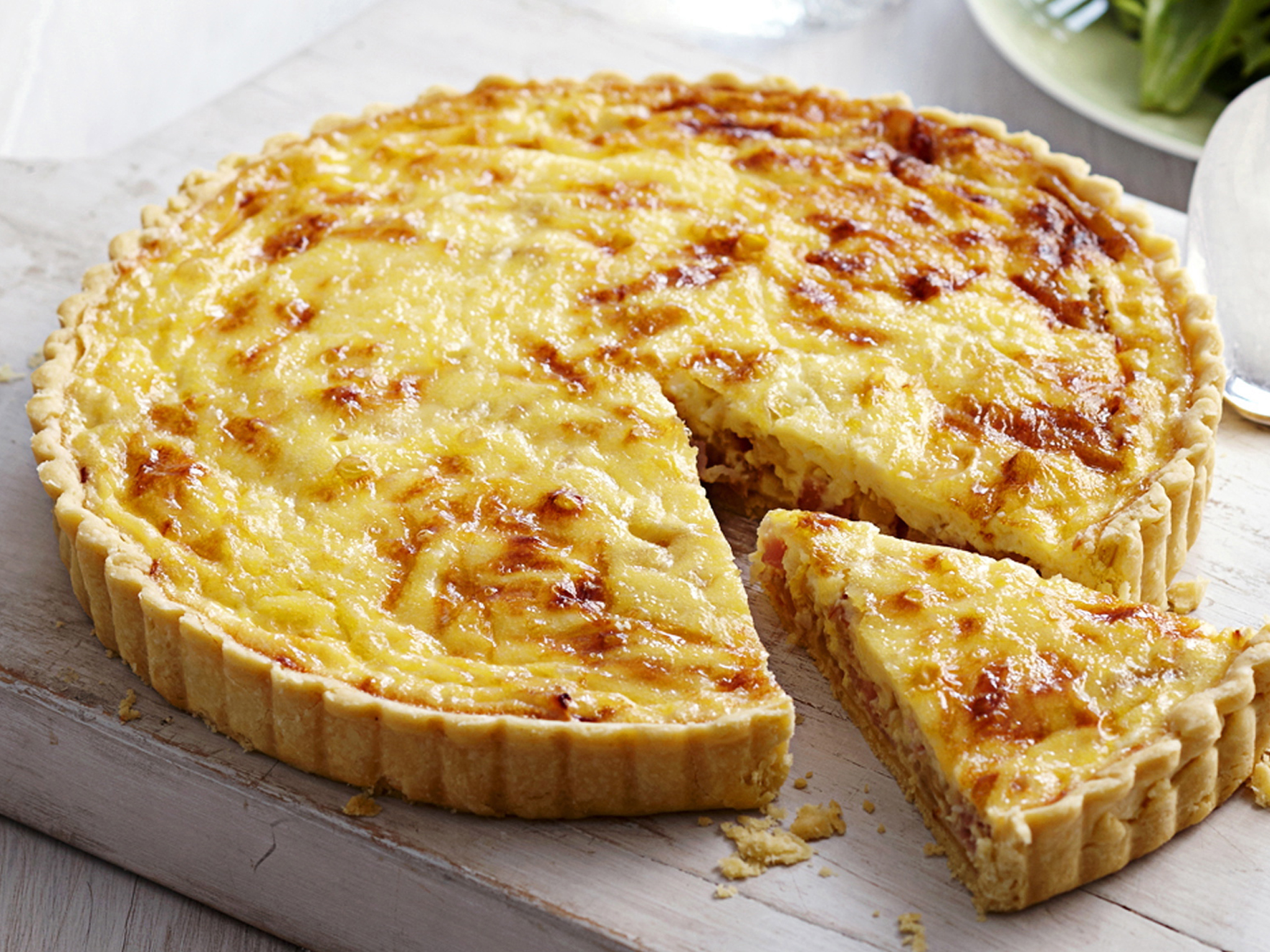 quiche lorraine recette avec ou sans pates. Black Bedroom Furniture Sets. Home Design Ideas